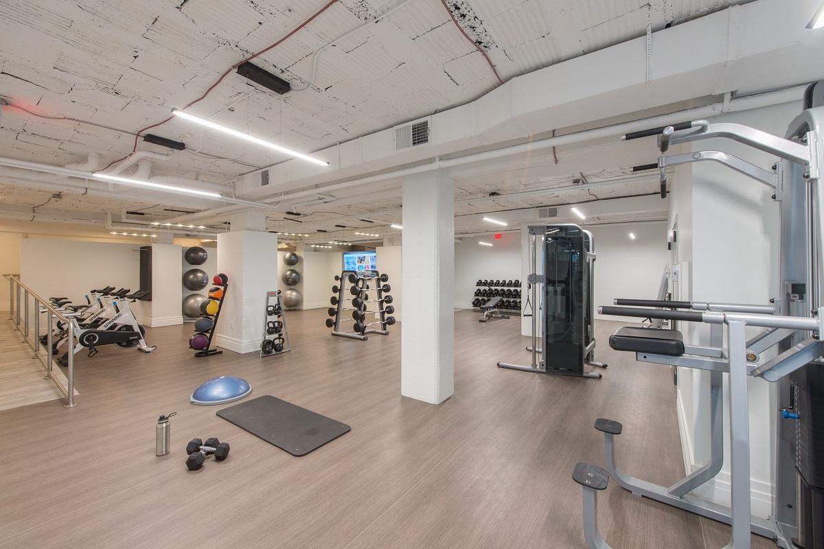 Multi-level fitness center