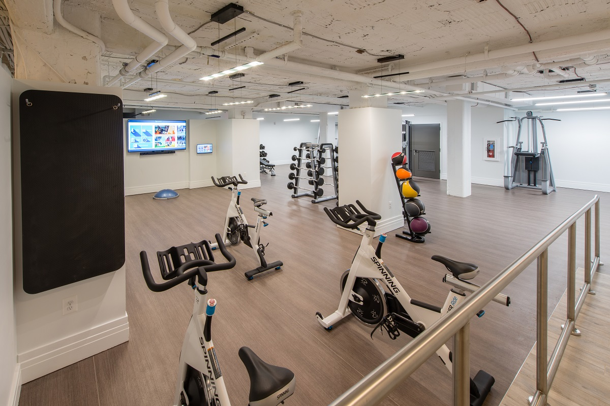 Spinning studio with digital classes